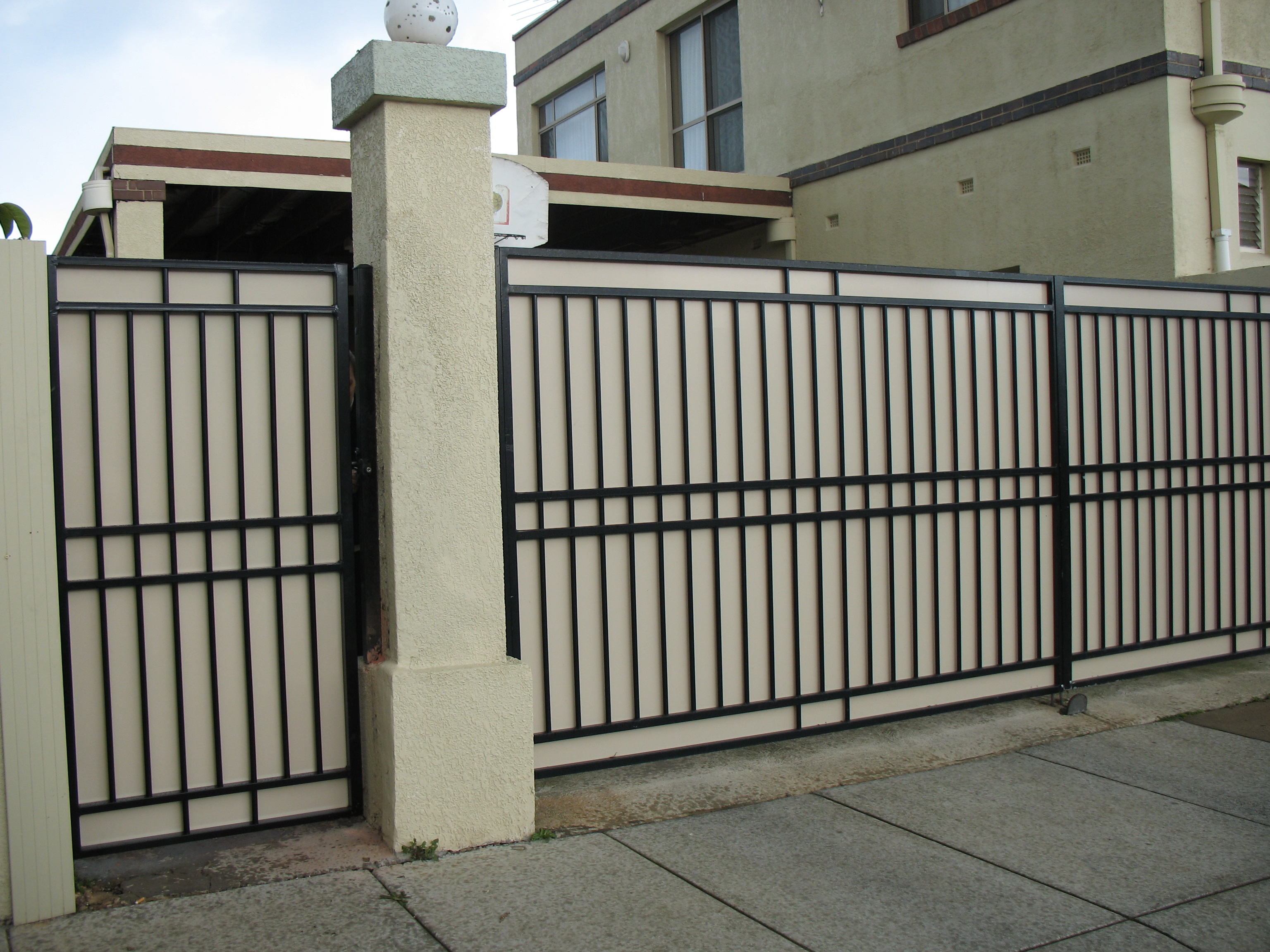 Steel fencing pool fencing gates front and side fences for Www myhouse com